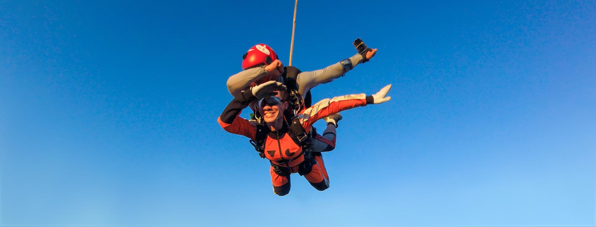 Фото - Стрибок із парашутом у тандемі з відео