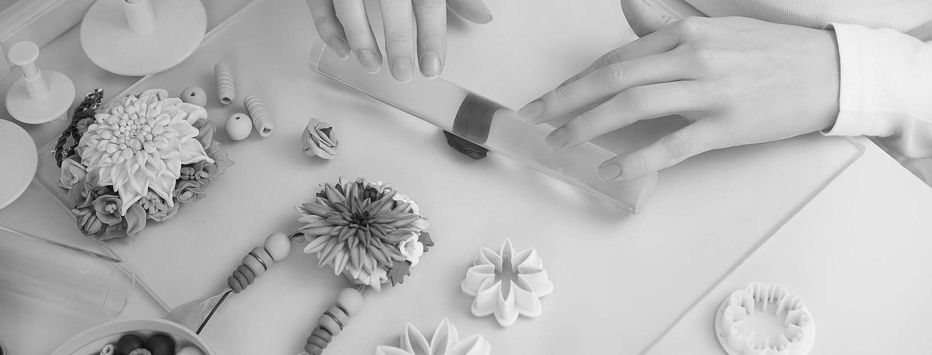 Фото 1 - Цветы из полимерной глины