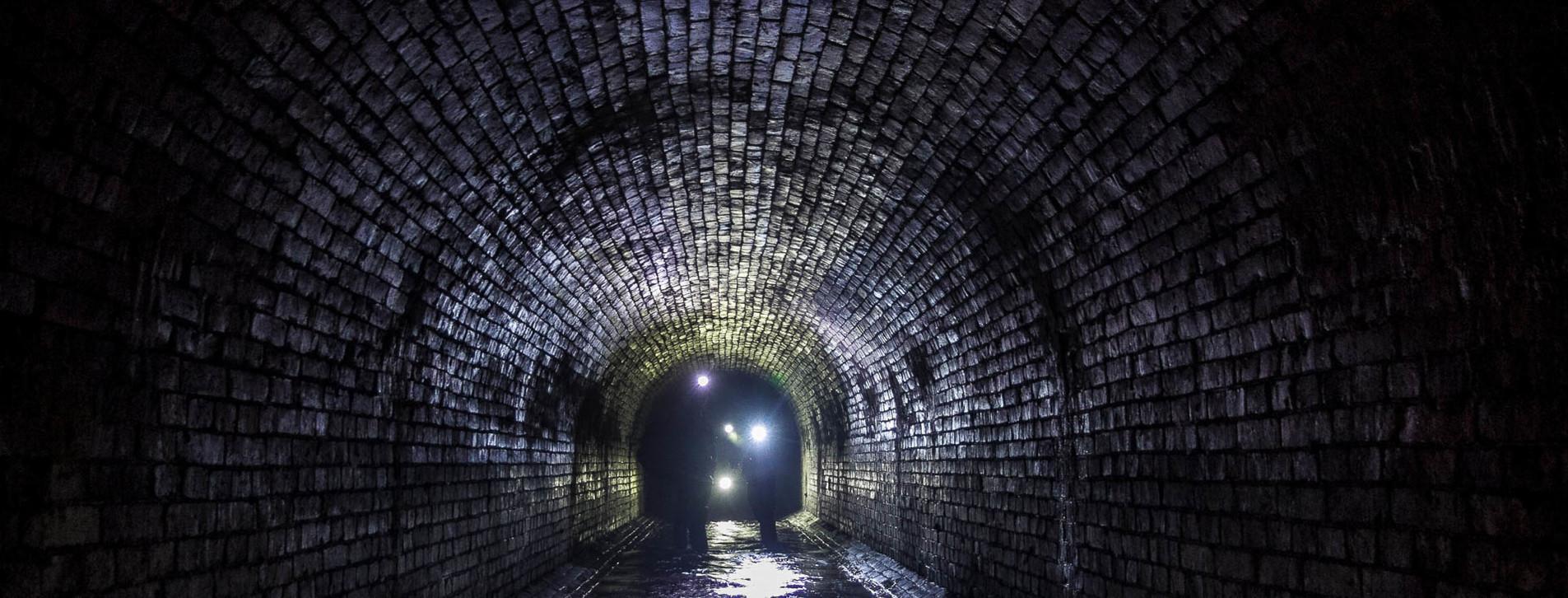 Фото 1 - Екскурсія в підземелля Києва для двох