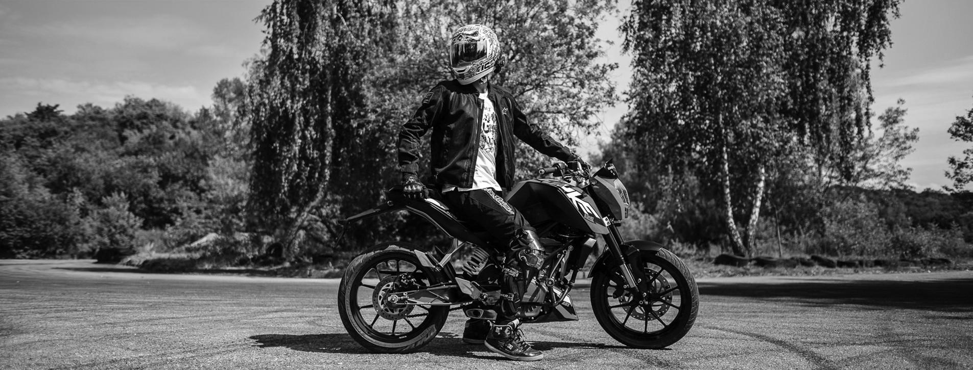 Фото 1 - Майстер-клас їзди на мотоциклі