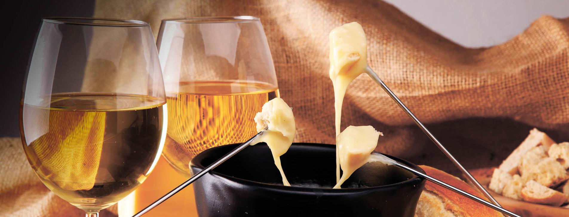 Фото 1 - Вино и фондю для компании