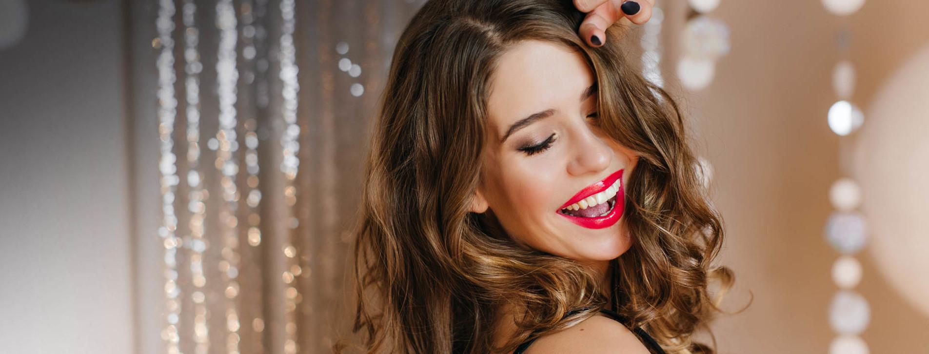Фото 1 - Укладка и макияж