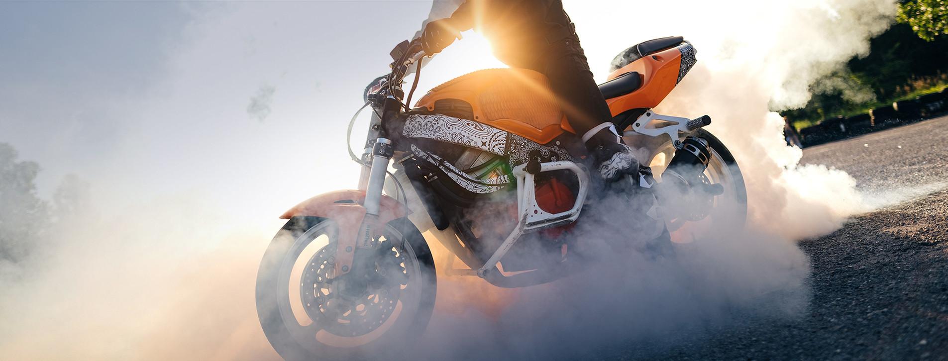 Фото 1 - Экстремальное управление мотоциклом