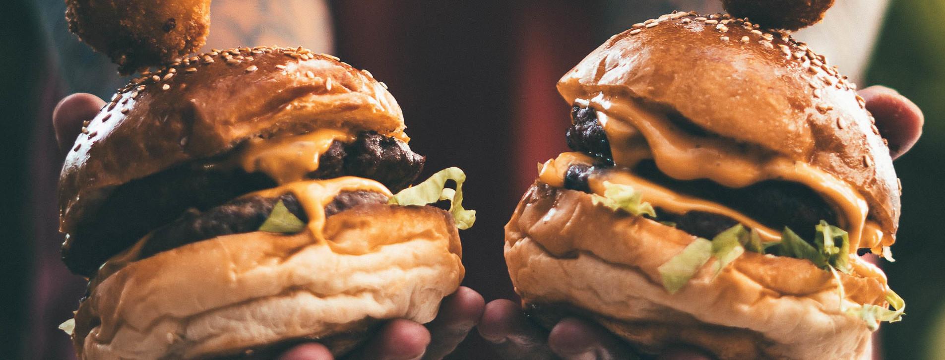 Фото 1 - Урок приготовления бургеров для двоих