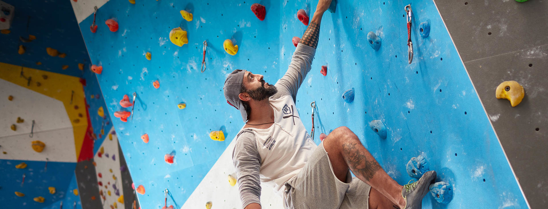 Фото - Урок альпинизма на скалодроме