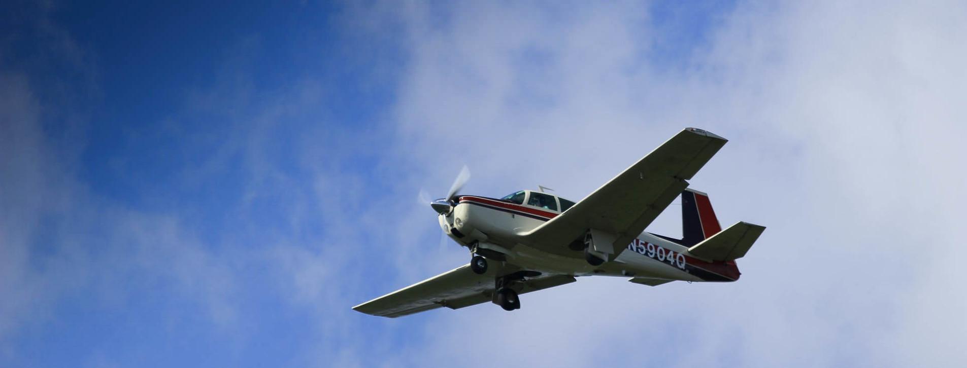 Фото 1 - Полет на самолете для компании Long