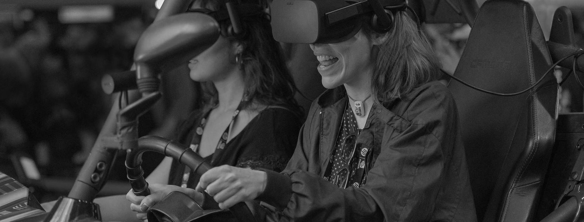 Фото 1 - Гоночный VR-симулятор для двоих