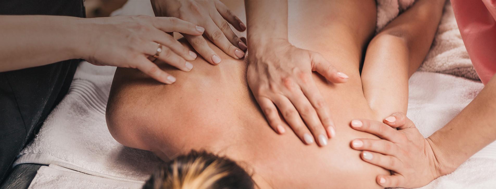 Фото 1 - Урок массажа для двоих