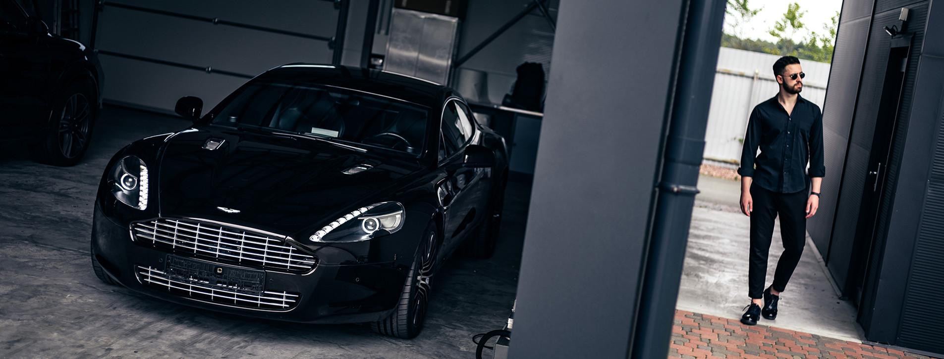Фото 1 - Тест-драйв Aston Martin