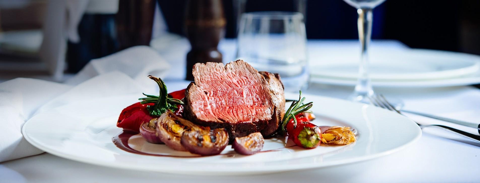 Фото 1 - Ужин в ресторане «Найдорожча ресторація Галичини»