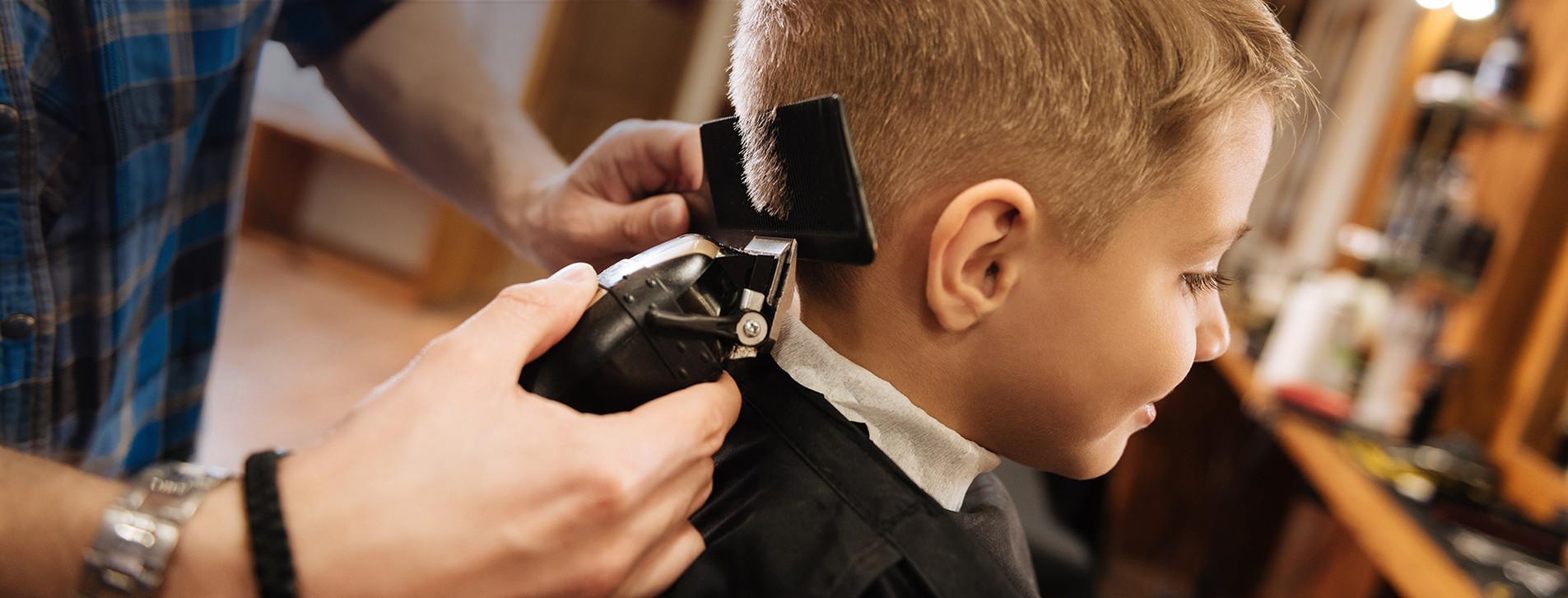 Фото 1 - Дитяча стрижка в барбершопі