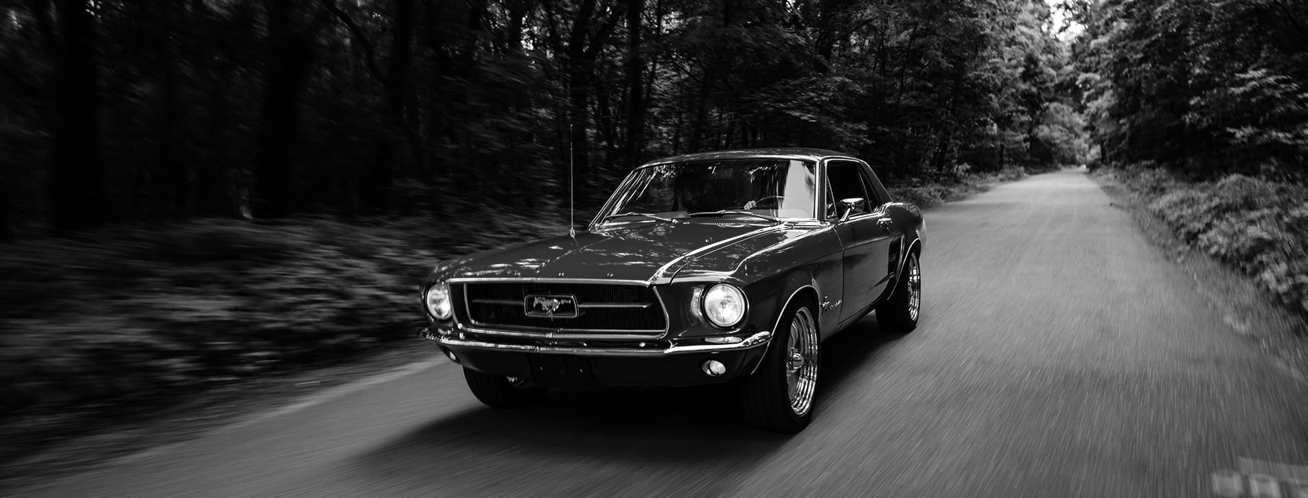 Фото 1 - Тест-драйв ретрокара Ford Mustang 1967 для двоих