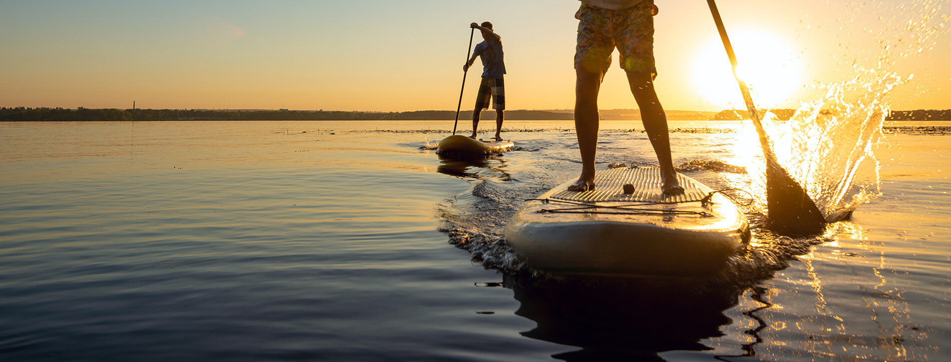 Фото 1 - SUP-серфинг на закате для компании