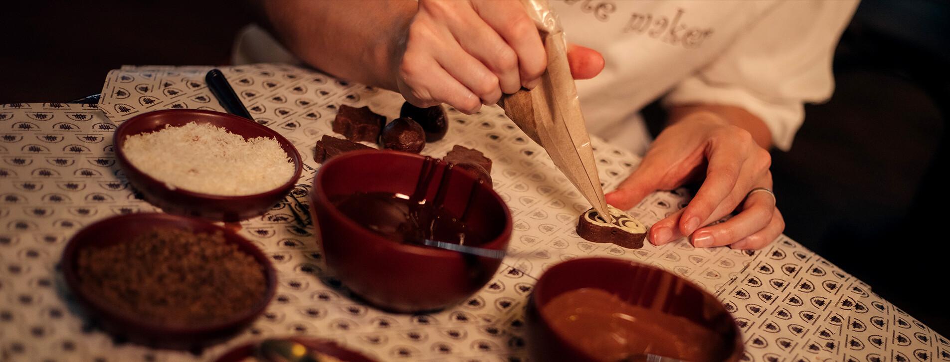 Фото 1 - Шоколадный мастер-класс для компании