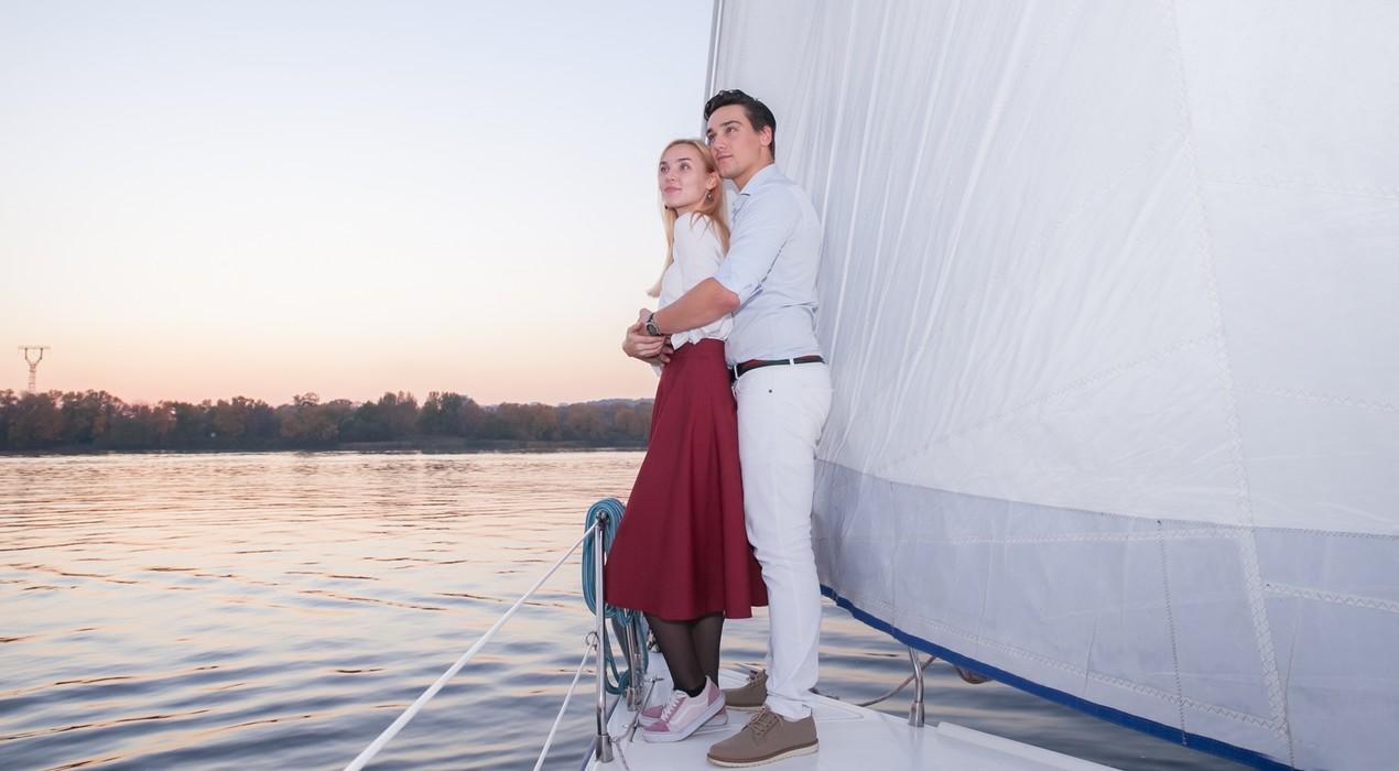 подарок на 14 февраля - прогулка на яхте