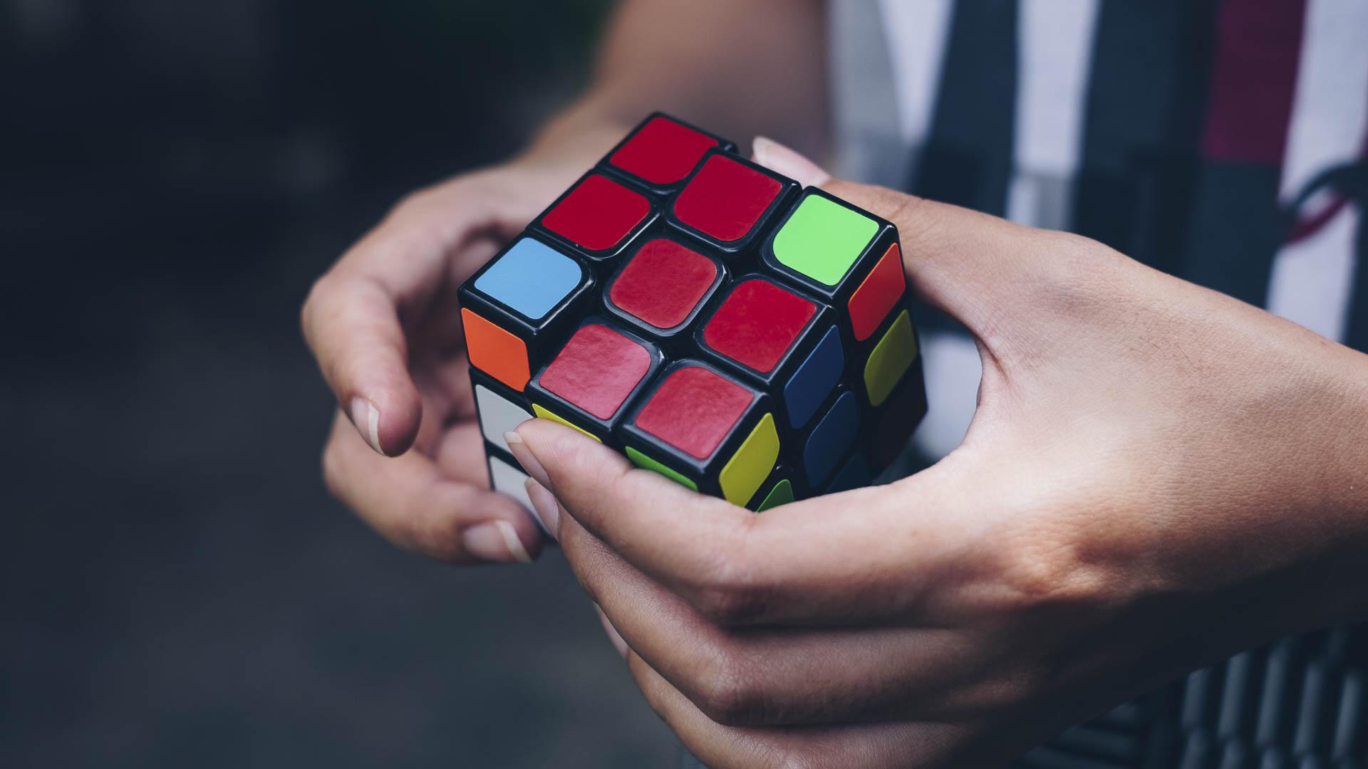 стоит волноваться сделать фото кубик рубик контрастный свет точечных